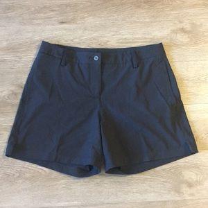 Puma golf shorts size 10 black great conditon